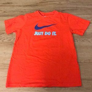 Nike Shirt for girls size large 12-14